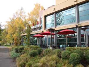Aquariva Portland outdoor dining in portland