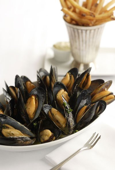 Mussels & Fries. Photo: ©John Valls