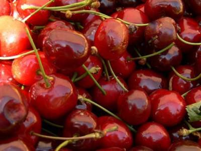 farmers market cherries