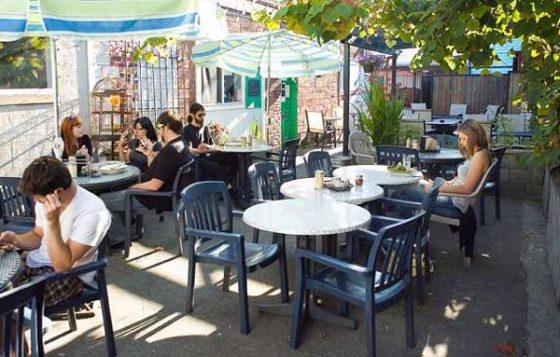 Bella Faccia Portland outdoor dining