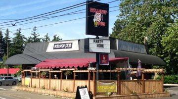 Bullseye Pub Portland outdoor dining