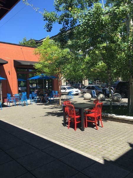 Laughing Planet Portland outdoor dining