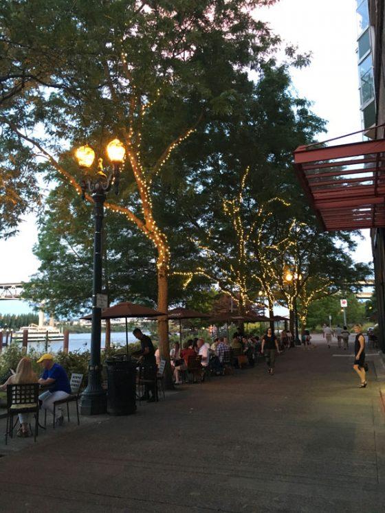McCormick & Schmick's outdoor dining