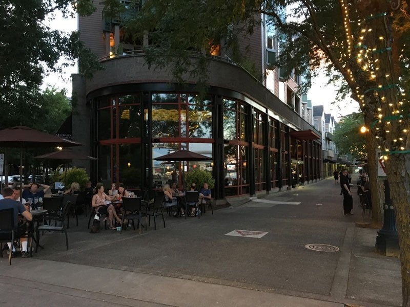 McCormick & Schmick's Harborside at the Marina outdoor dining