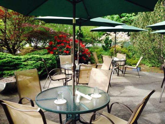 Rendezvous Tap Room outdoor dining