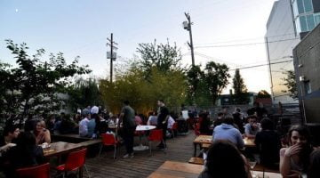 Rontoms Bar Portland outdoor dining