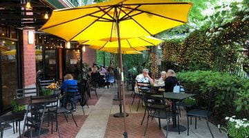 Tucci Ristorante Lake Oswego outdoor dining