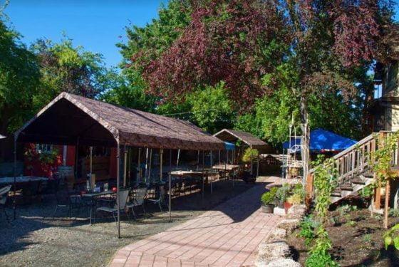 Landmark Saloon outdoor dining Portland