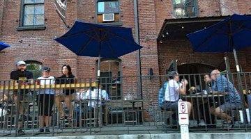 Bridgeport Brewpub outdoor dining
