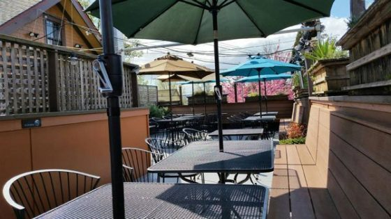 Laurelwood Public House outdoor dining