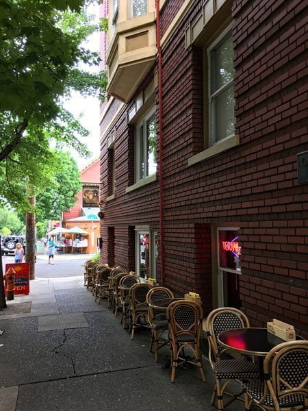 Mcmenamins Rams Head Portland Food And Drink