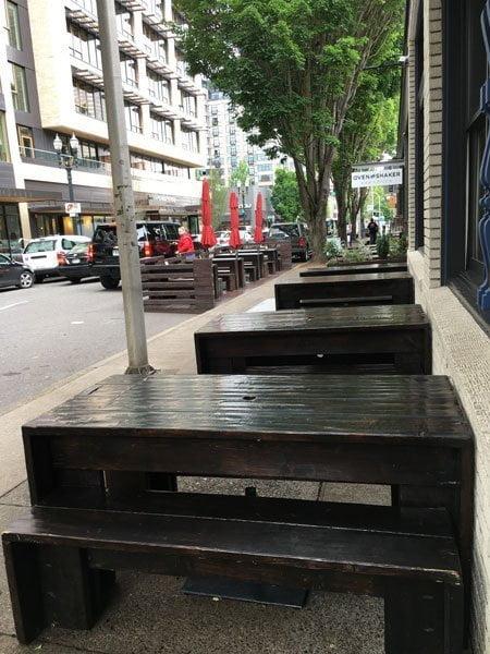 Piattino outdoor dining