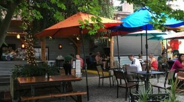 Tin Shed Garden Cafe outdoor dining