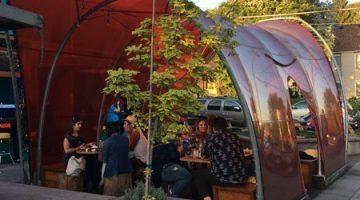 Uno Mas Taqueria outdoor dining