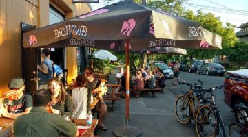 Bazi Bierbrasserie outdoor dining