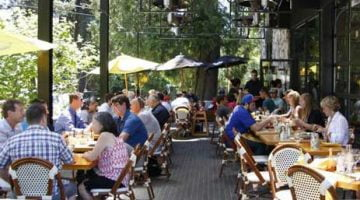 La Provence Boulangerie Lake Oswego outdoor dining FB