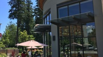 Ava Roasteria Lake Oswego outdoor dining
