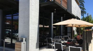 Hero Sushi & Sake Lake Oswego outdoor dining