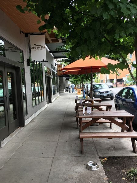 Life of Pie Pizza Portland Restaurant outdoor dining