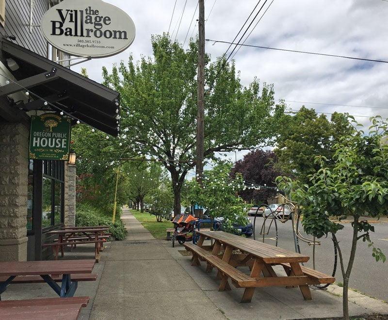 The Oregon Public House Portland outdoor dining