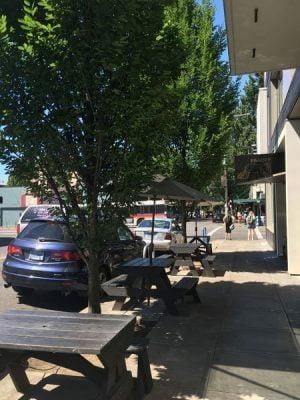 Paa Dee Portland outdoor dining