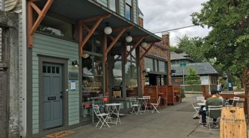 Woodlawn Coffee & Pastry Portland outdoor dining
