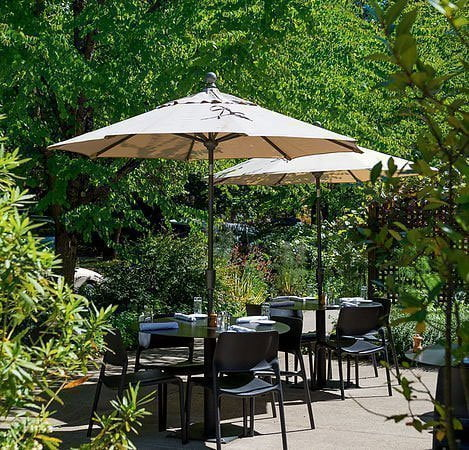 Cafe Castagna restaurant Portland outdoor dining