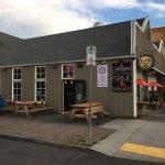 Opa Pizzera Portland Sellwood outdoor dining