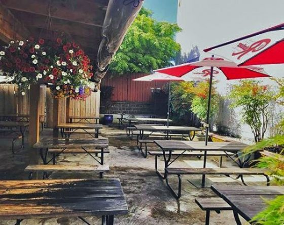 The Hilt Pub Portland outdoor dining