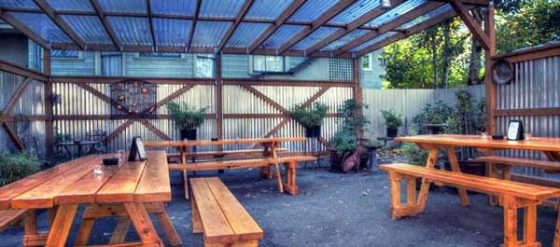 Triple Nickel Pub Portland patio