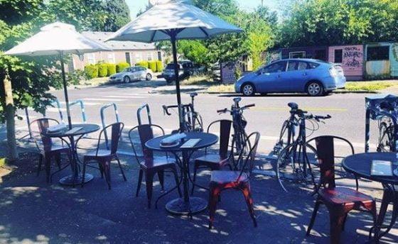 Urdaneta Restaurant outdoor dining